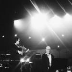 Hans Jørgen Clausen sings Folk, Der Kam Ind Ad E Bagdör with Peter Broderick on violin